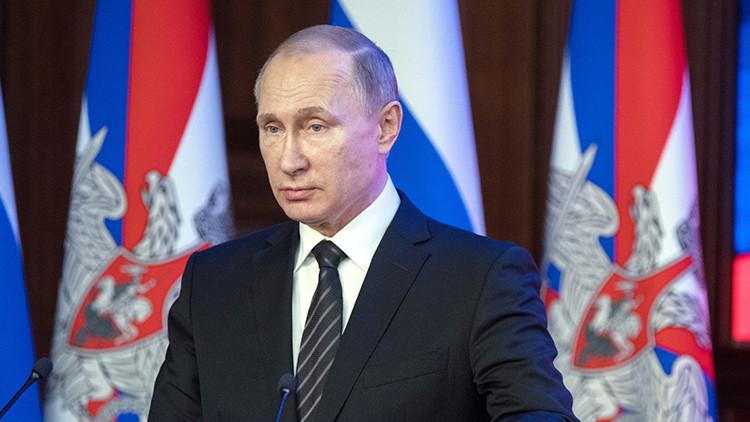 """Putin: """"Actualmente Rusia es más fuerte que cualquier agresor potencial"""""""