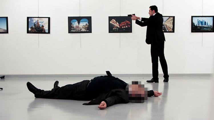 Un crítico de arte compara las fotos del asesinato del embajador ruso con obras de Caravaggio