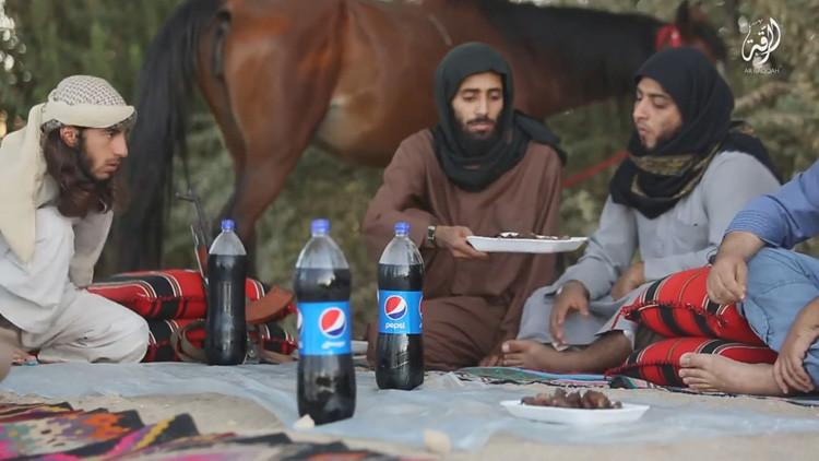 ¿Por qué los terroristas beben Pepsi? La insólita nueva estrategia del Estado Islámico