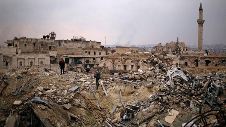 Un exembajador británico revela tres mentiras del Reino Unido sobre Siria