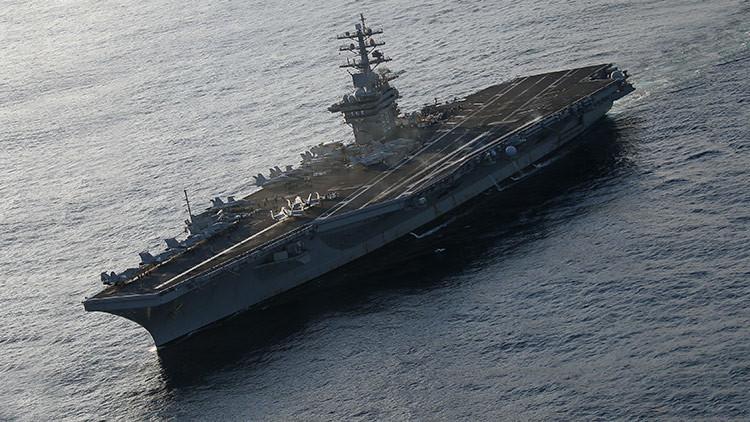 Encuentran a tres polizones franceses en un portaaviones que zarpó hacia EE.UU.
