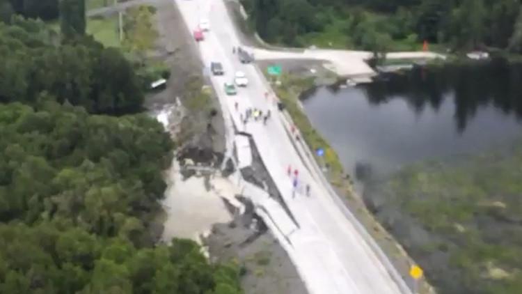 VIDEO: Así quedó la carretera destruida por el fuerte sismo en Chile