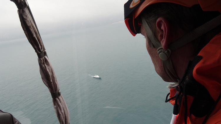 Desvelan por qué los restos del Tu-154 están dispersos a gran distancia en el mar Negro