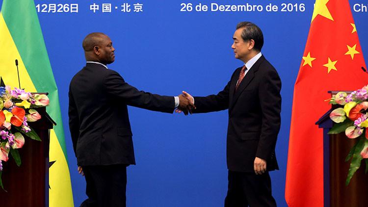 China restablece relaciones diplomáticas con Santo Tomé y Príncipe