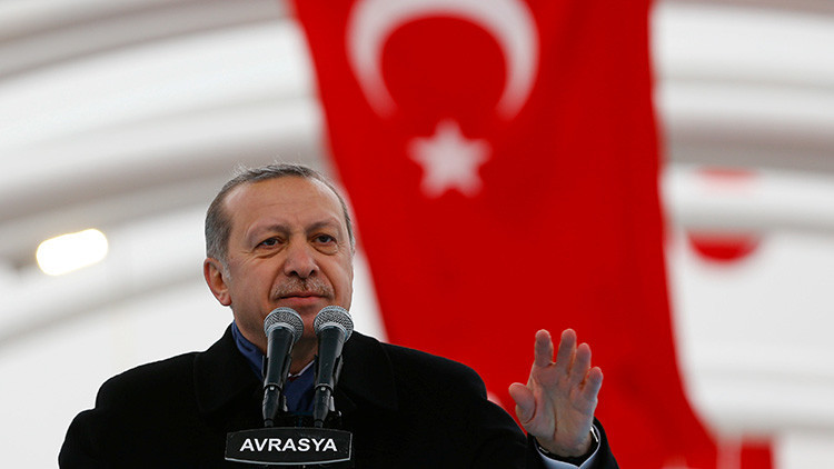 """Oriente Medio vive un """"nuevo equilibrio de poder"""": ¿Por qué Turquía se acerca a Rusia?"""