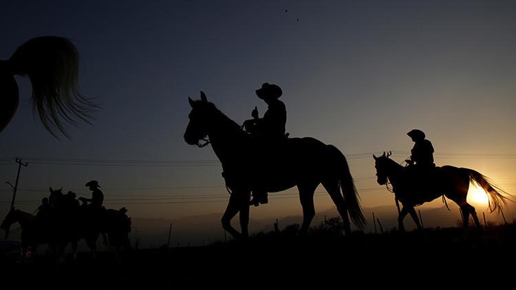 México: Muere un hombre arrollado por un caballo durante el cumpleaños de Rubí (FUERTES IMÁGENES)