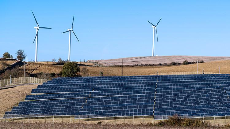 El sol vuelve con 'energías renovadas': Los paneles solares se abaratan más que el combustible fósil
