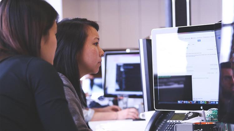 Venezuela regala más de 5,24 millones de equipos informáticos a sus estudiantes y maestros