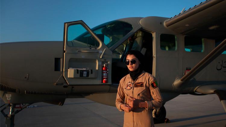 ¿Por qué la primera piloto afgana pide asilo en EE.UU.?