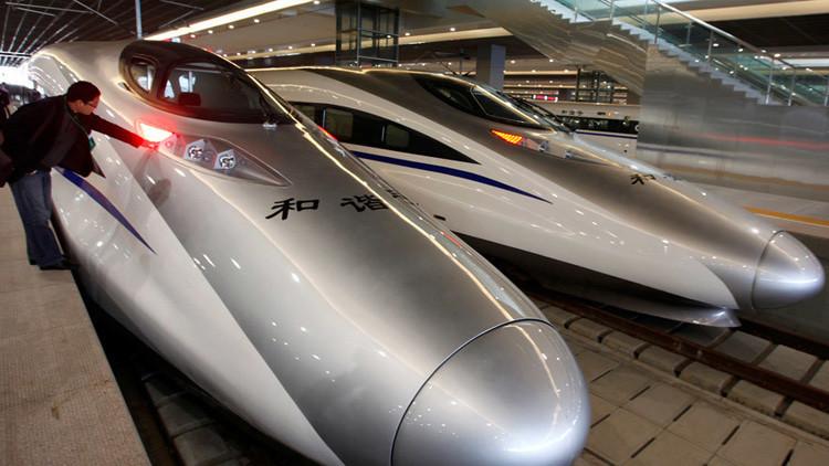 China conecta este y oeste con velocísimos trenes bala