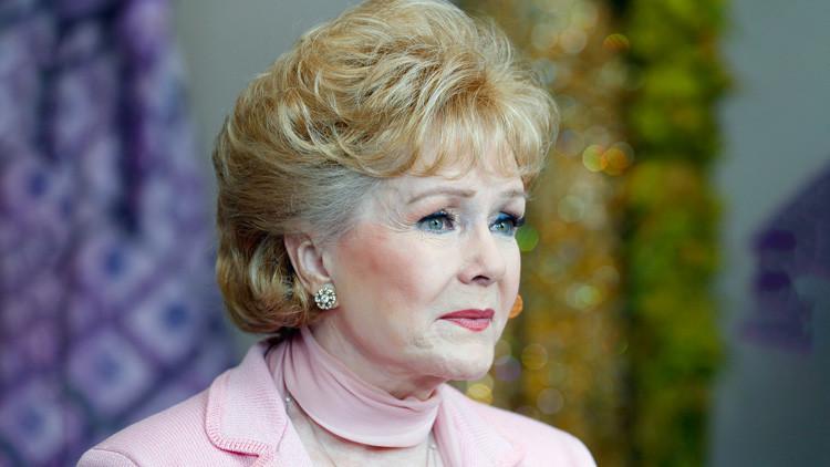 Hospitalizan a la madre de Carrie Fisher, la actriz Debbie Reynolds, por supuesto derrame cerebral