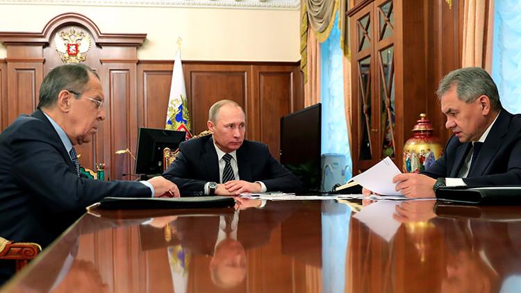 El Ministerio de Exteriores ruso propone a Putin expulsar a 35 diplomáticos de EE.UU.