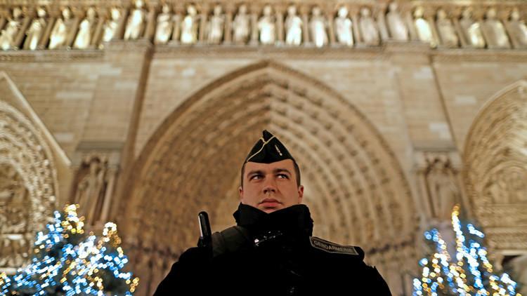 Francia: Cerca de 100.000 agentes velarán por la seguridad en la Nochevieja