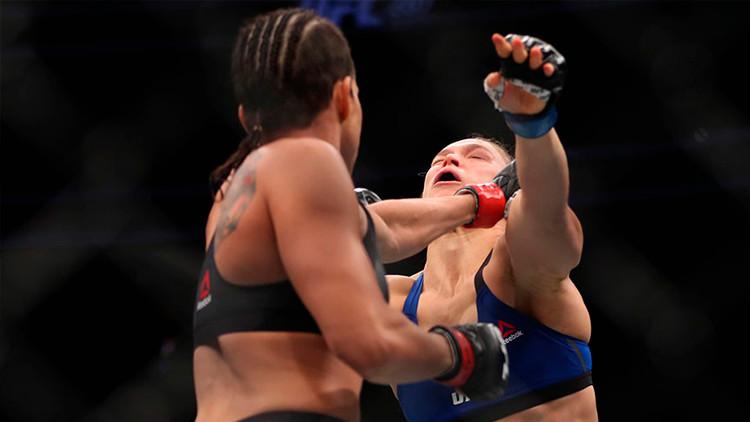 Noquean a la reina de las artes marciales mixtas en 48 segundos