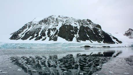Una montaña del glaciar Sheldon, en la Antártida