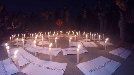 Una vigilia en honor a las víctimas del accidente aéreo en Colombia, Katmandú, Nepal, 2 de diciembre de 2016
