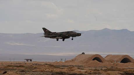 Un avión de la Fuerza Aérea Árabe Siria