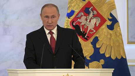 El presidente ruso Vladímir Putin brinda su discurso anual ante el Parlamento en el Kremlin. Moscú, 1 de diciembre de 2016.