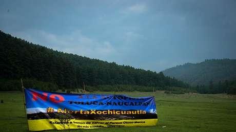 Manifestación en pleno bosque en contra de la autopista Toluca-Naucalpan