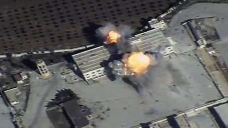 Un misil de crucero ruso impacta en una instalación de los grupos armados en Siria