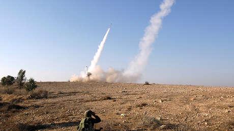 Lanzamiento de misiles del sistema Cúpula de Hierro, en Beerseba (Israel)