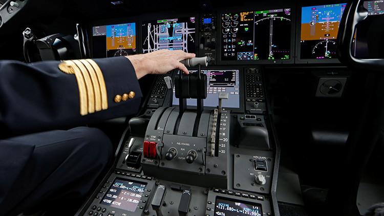 Detienen a un piloto ebrio que pretendía manejar un avíon con 100 personas a bordo