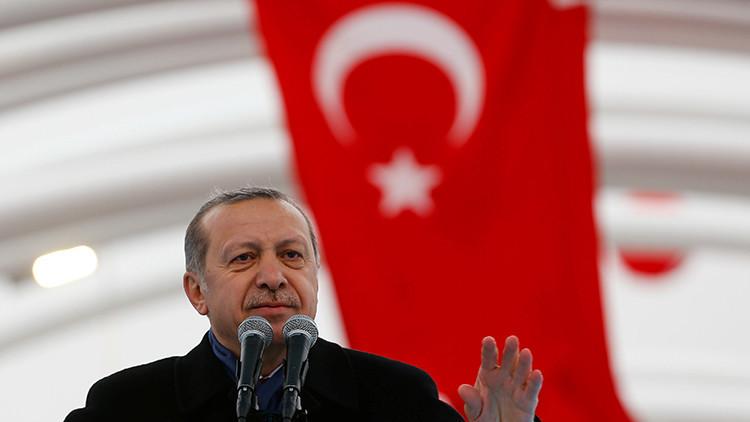 """Erdogan: El objetivo del atentado de Estambul fue """"crear el caos"""" en Turquía"""