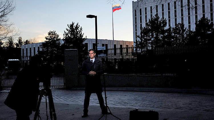 Obama aprovecha su último 'adiós' para expulsar a 35 diplomáticos rusos