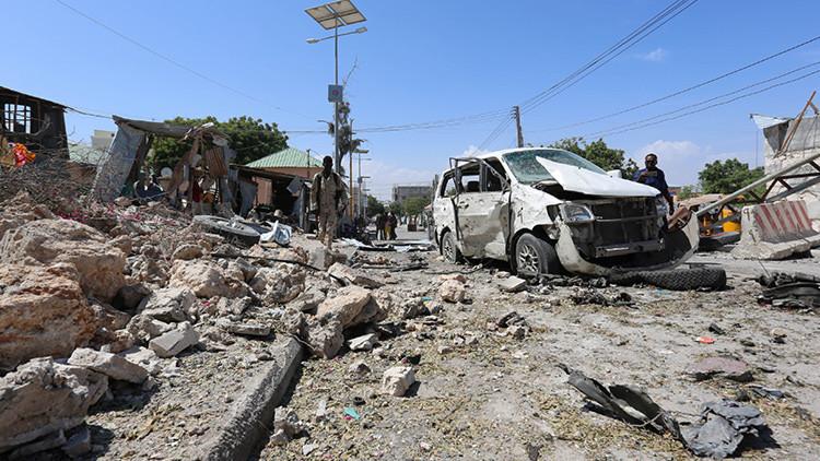 Cuatro muertos en dos fuertes explosiones cerca de un aeropuerto en Somalia (fotos, video)