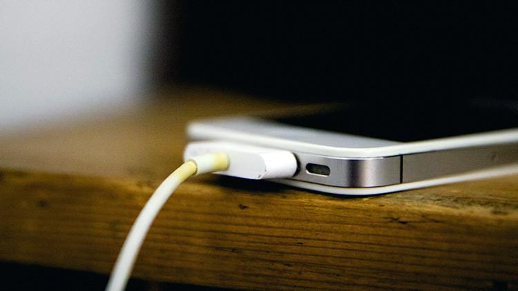 5 trucos para cargar la batería del móvil más rápido