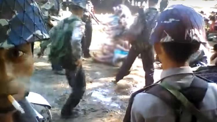 FUERTE VIDEO: Policía golpea brutalmente a representantes de una minoría musulmana en Birmania