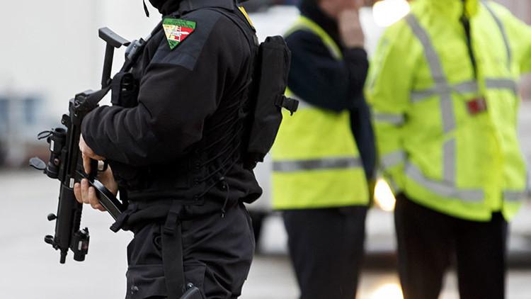 Un hombre armado se da a la fuga en Suiza tras disparar a dos policías