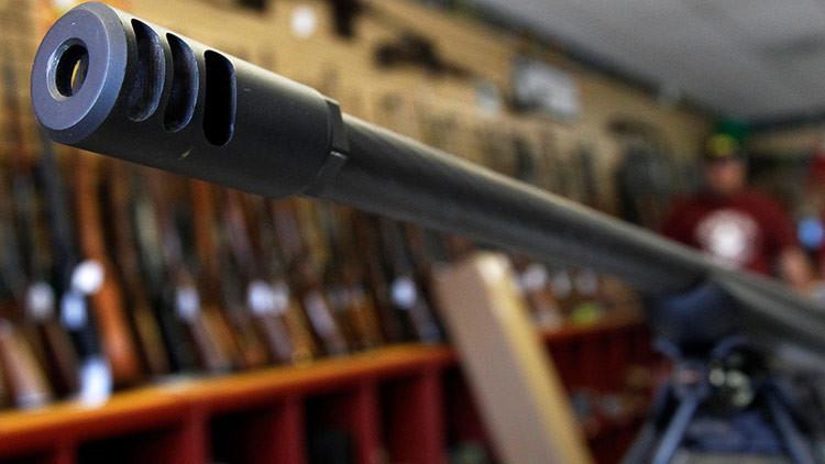 El Ministerio del Interior checo considera permitir a ciudadanos usar armas contra los terroristas