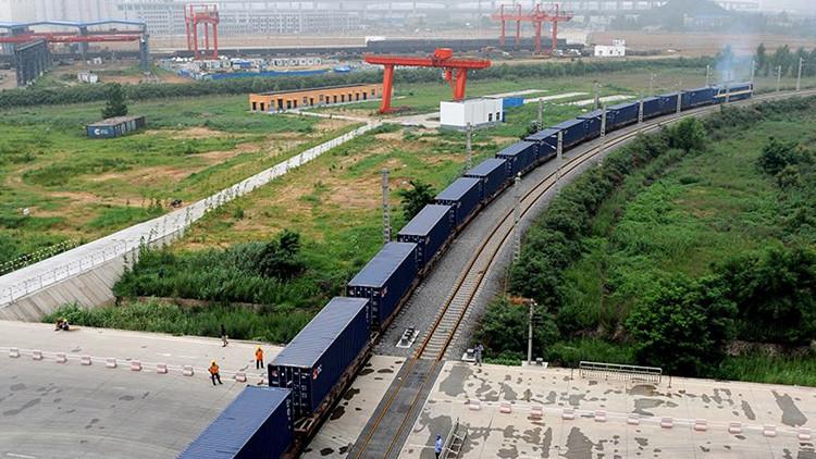 China pone en funcionamiento el primer tren de carga con destino a Londres