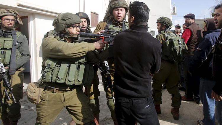 """""""La política israelí de disparar a matar pertenece a las leyes del cine occidental"""""""