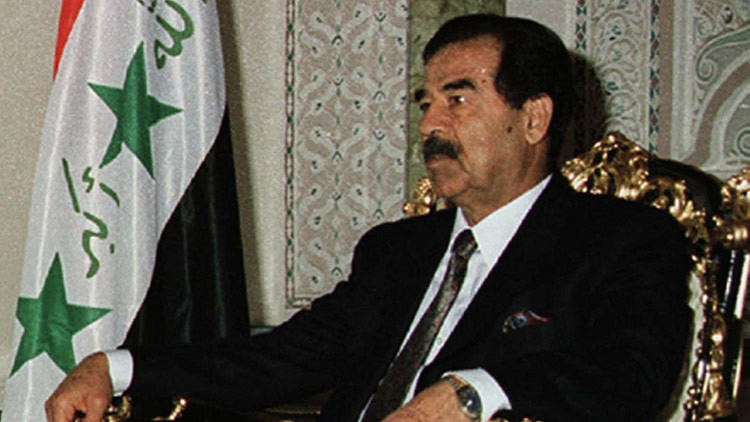 """Exagente de la CIA que interrogó a Saddam: """"Prefería pasar tiempo con Hussein que con Bush"""""""