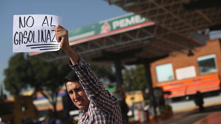 Protestas, bloqueos, saqueo y rumores: se desborda la inconformidad en México por el 'gasolinazo'