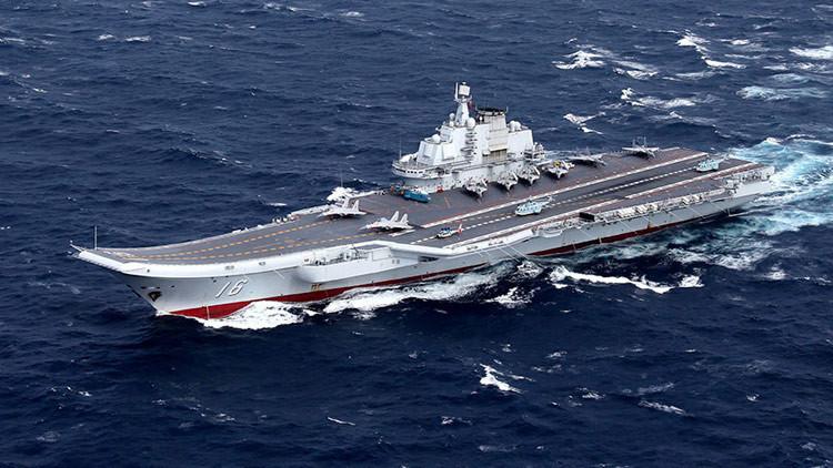 ¿Por qué el portaaviones chino lleva a cabo maniobras en el mar de la China Meridional?