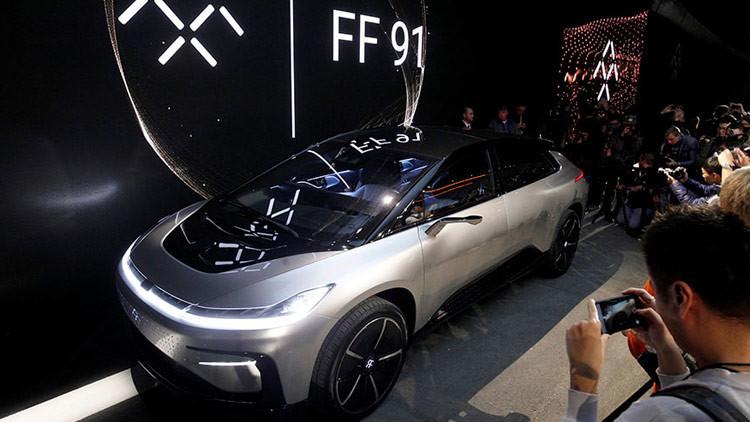 Un nuevo coche autónomo falla vergonzosamente durante su presentación en Las Vegas (VIDEO)