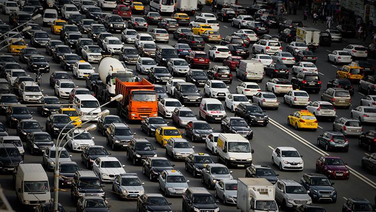 Vivir cerca de carreteras transitadas aumenta el riesgo de padecer demencia