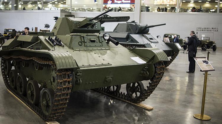 VIDEO: Un bielorruso construye un tanque soviético con sus propias manos