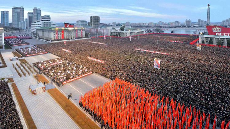 Marcha de apoyo al discurso 'nuclear' de Kim Jong-un en Pionyang (FOTOS)