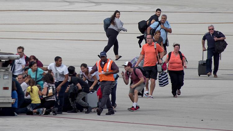 """""""La mochila me salvó vida"""": relato de superviviente del tiroteo en el aeropuerto de Fort Lauderdale"""