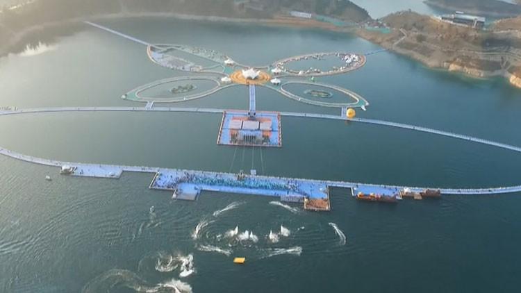 Caminar sobre el agua: Esta es la pasarela flotante más larga del mundo (Video)