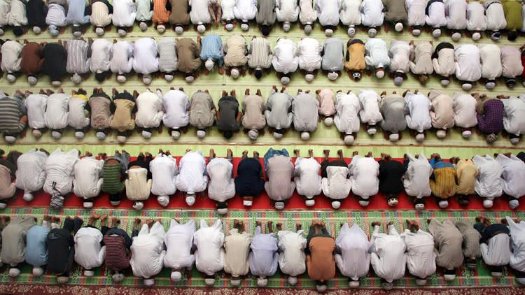 Intercesión divina: El jeque de los Emiratos Árabes Unidos ordena rezar por la lluvia