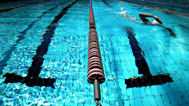 El Tribunal de Estrasburgo ordena que unas niñas musulmanas asistan a clases de natación mixtas
