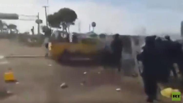 FUERTES VIDEOS: Arrollan a policías federales en una manifestación contra el 'gasolinazo' en México