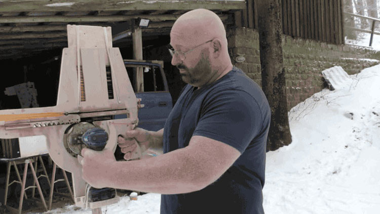 VIDEO: Crea una impresionante ballesta casera de repetición a partir de un taladro