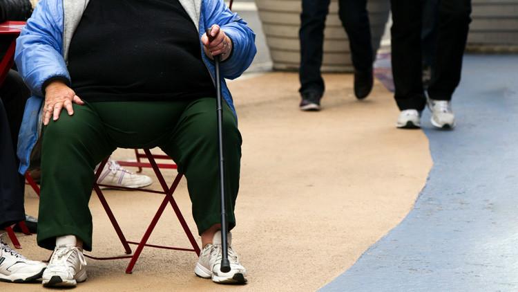 """""""Solo en Kansas City"""": El video sobre una mujer obesa remolcada por un coche desata la polémica"""