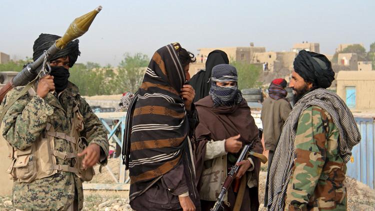 Los talibanes publican un video de rehenes de EE.UU. y Australia con un mensaje para Trump